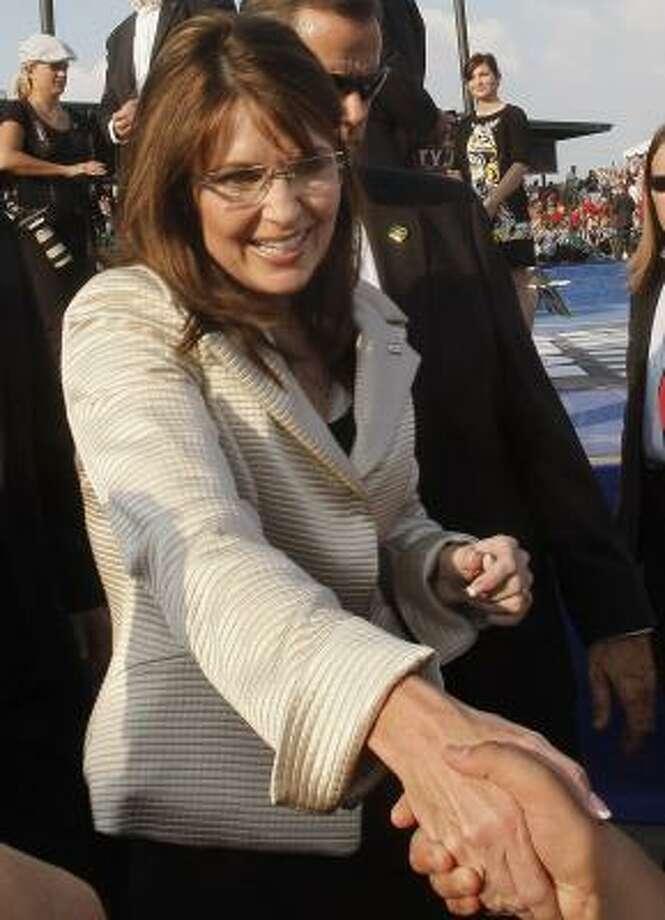 A pollster says Sarah Palin must highlight the GOP ticket's maverick reformer theme. Photo: STEPHAN SAVOIA, AP