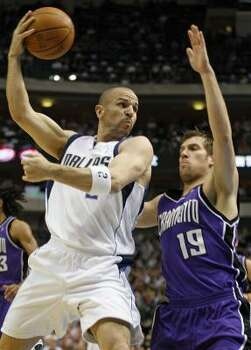 Dallas' Jason Kidd looks to pass against Sacramento's Beno Udrih. Kidd finished an assist shy of a triple-double with 21 points, 11 rebounds and nine assists. Photo: SHARON M. STEINMAN, MCCLATCHY-TRIBUNE