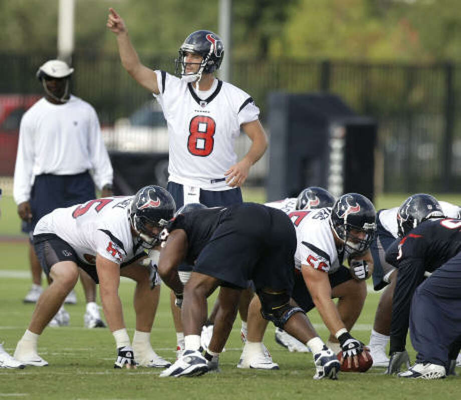 Quarterback Matt Schaub makes a call from the line of scrimmage Thursday at practice. Photo: Brett Coomer, Chronicle