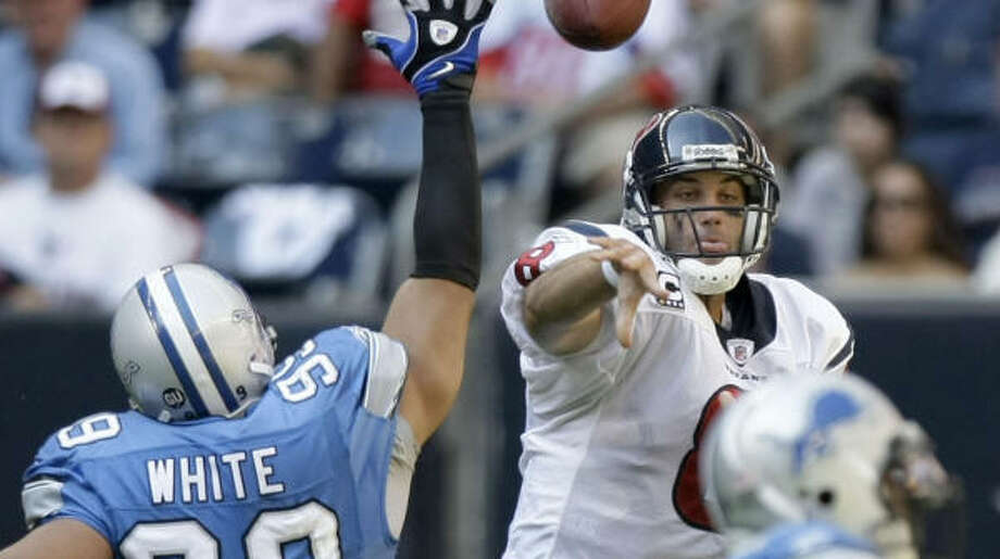 Matt Schaub, right, opened Sunday's win by leading touchdown drives of 75, 72 and 74 yards. Photo: Brett Coomer, Chronicle