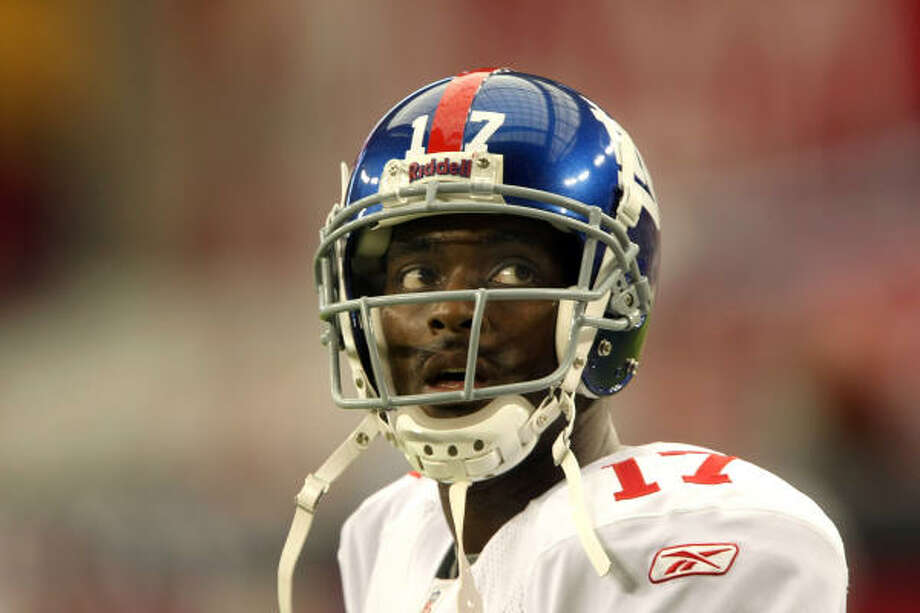 Gun control has become a widely discussed topic after Giants wide receiver Plaxico Burress' incident. Photo: Stephen Dunn, Getty Images