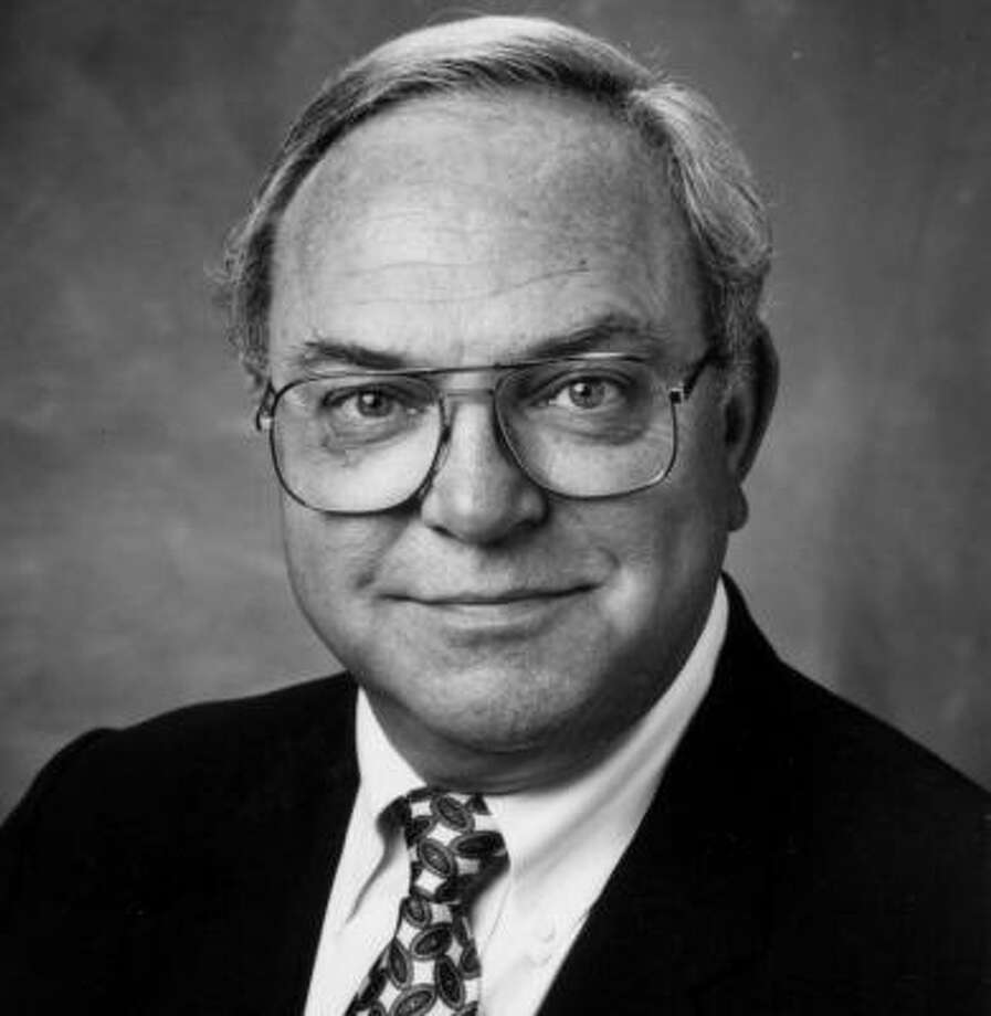 Former Houston news anchor Ron Stone died in 2008 at the age of 72 after suffering from cancer. Photo: Chronicle File