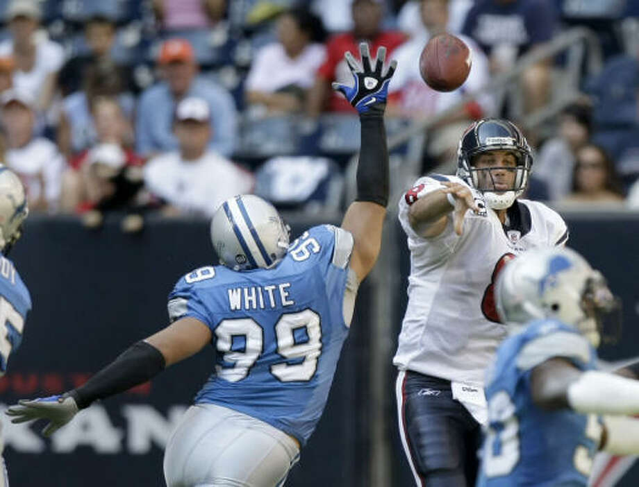 After building a 21-0 first-quarter lead, Matt Schaub and the Texans had to hold on for a 28-21 win over the Detroit Lions. Photo: Brett Coomer, Houston Chronicle
