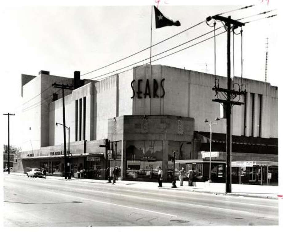 The Main Street Sears, Roebuck & Co. store at 4200 Main was once two miles from the southernmost end of the downtown shopping center. Photo: CHRONICLE FILE PHOTOS