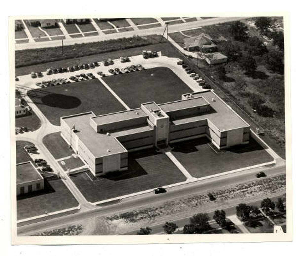 Shell's Bellaire Technology Center, photographed in 1949, opened in 1936.