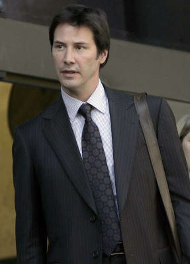 Paparazzo\u0027s suit against Keanu Reeves goes to jury , Houston