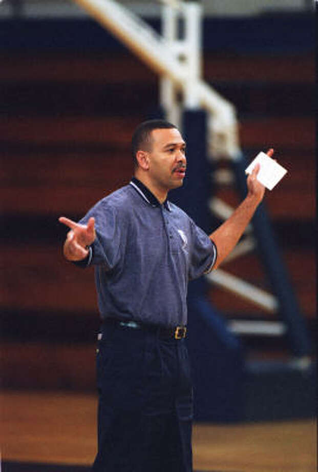 Willis Wilson (shown in 1999) had the longest tenure of any men's basketball coach at Rice. Photo: Steve Campbell, Chronicle