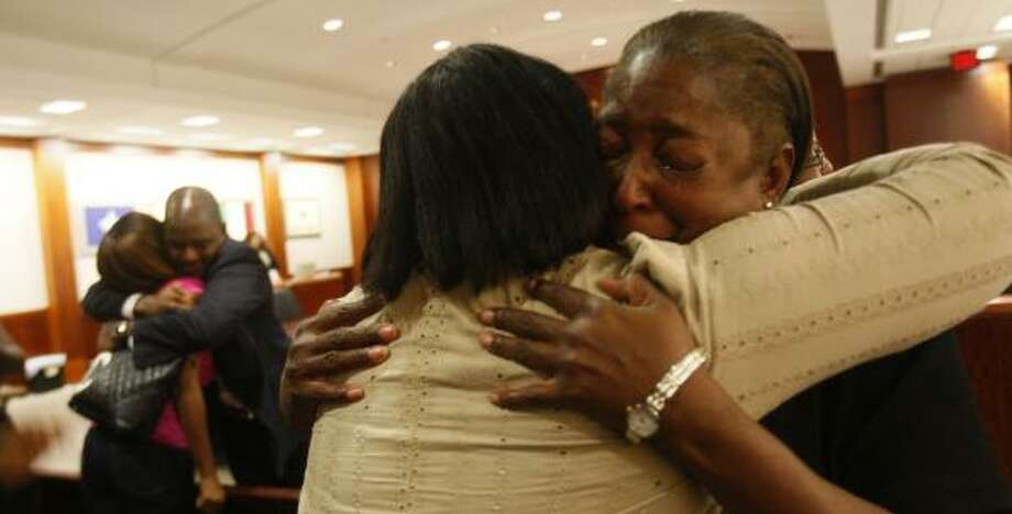 Gale Shields, mother of murder victim Tynesha Stewart, weeps after the jury sentenced Timothy Shepherd on Tuesday. Stewart's mother and sister testified during victim impact statements. Photo: MAYRA BELTRÁN, CHRONICLE