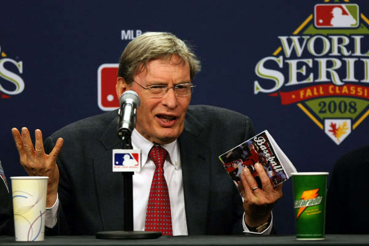 Major League Baseball commissioner Bud Selig explains the rules involved with suspending Game 5 of the World Series.
