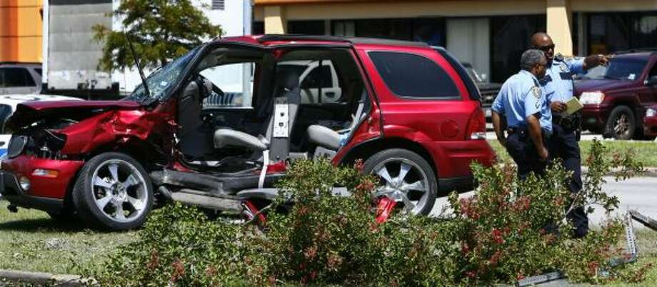 Dr. Wesley Gustafson Jr., 75, was leaving a shopping center when a Chevrolet Trailblazer slammed into his Buick sport utility vehicle. Gustafson planned to open a new office in the center next week. Photo: STEVE UECKERT, CHRONICLE