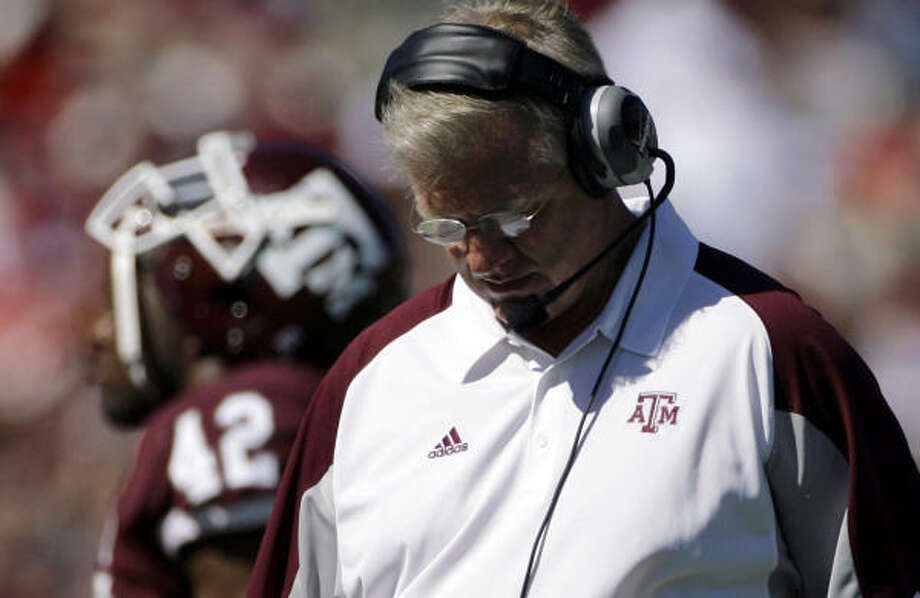 It was another rough day at the office for first-year Texas A&M coach Mike Sherman on Saturday. Photo: Matt Slocum, AP