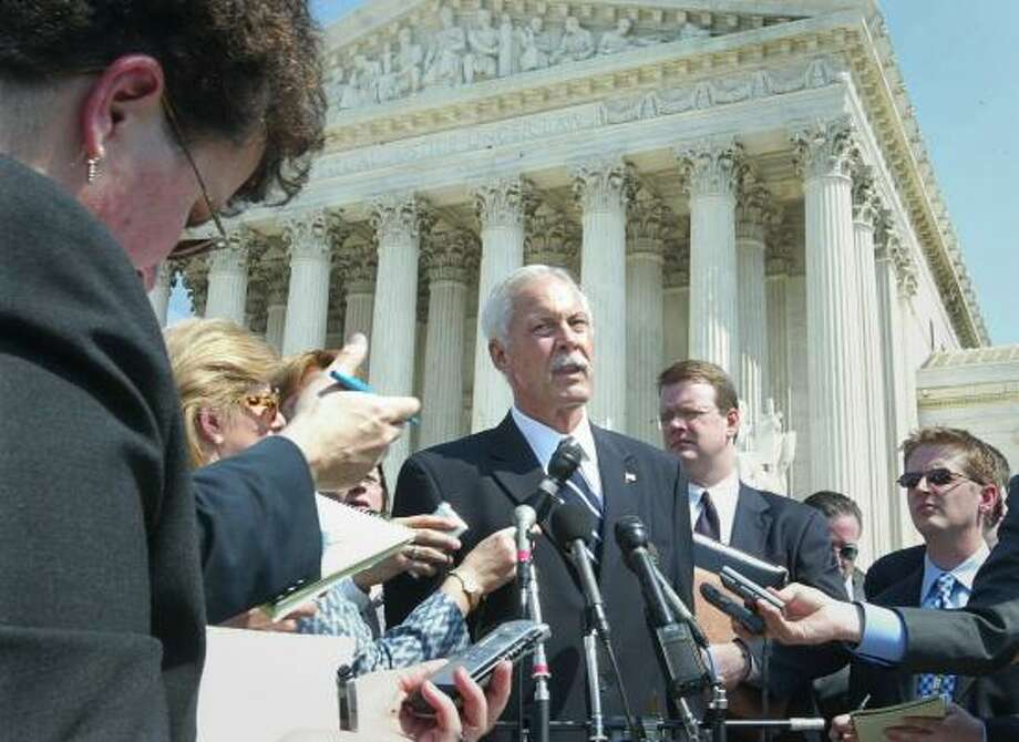 "Chuck Rosenthal, in this 2003 photo, argued before the Supreme Court Texas' challenged sodomy law. His performance was widely derided. The New York Times called it ""a mismatch of advocates to a degree rarely seen at the court."" The court later tossed out the Texas law. Photo: RICK BOWMER, AP FILE"
