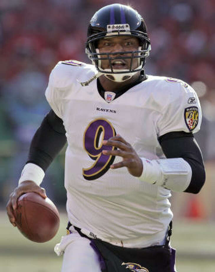 Baltimore Ravens quarterback Steve McNair has retired from the NFL. McNair told teammates of his decision during an emotional meeting Thursday morning before the launch of coach John Harbaugh's first minicamp. Photo: ORLIN WAGNER, AP