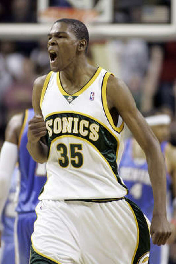 The Associated Press has learned that Kevin Durant of the Seattle SuperSonics has been chosen as the NBA Rookie of Year. Photo: John Froschauer, AP