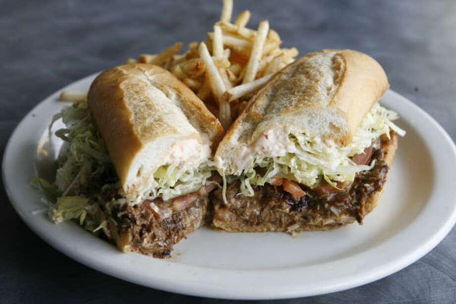 "The ""Midnight Masterpiece"" shredded roast beef po-boy at BB's. Photo: James Nielsen, Houston Chronicle"