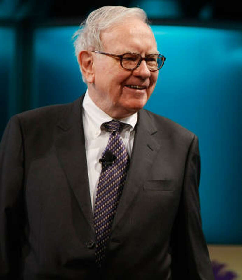 Businessman Warren Buffett speaks at the 2008 Women's Conference at the Long Beach Convention Center on October 22. Photo: Michael Buckner, Getty Images