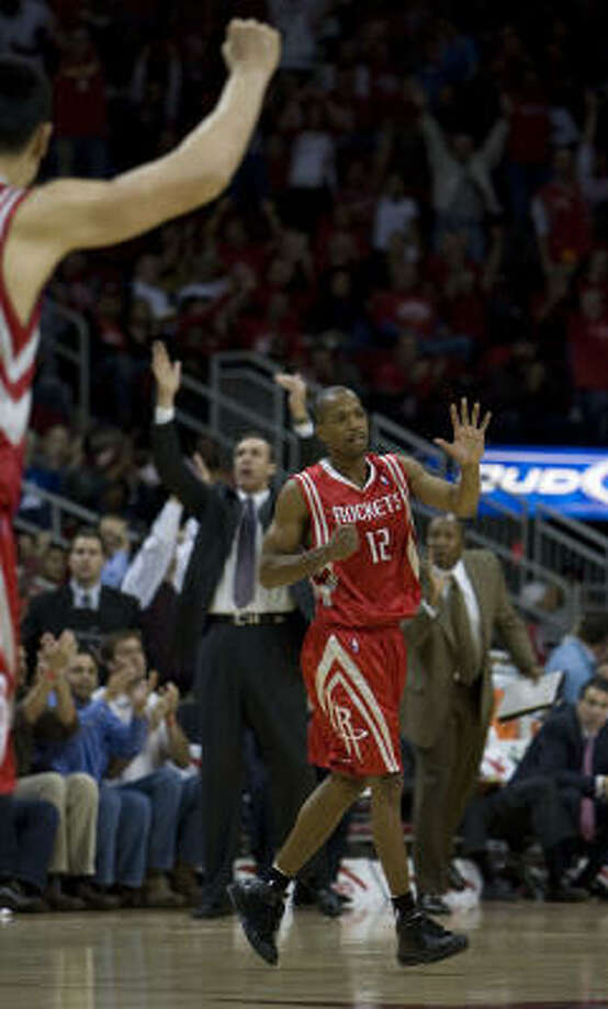 Rafer Alston says the Rockets would like to run the motion offense about 65 percent of the time. Photo: James Nielsen, Chronicle