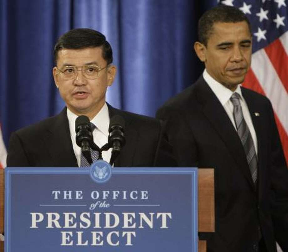 Retired Gen. Eric K. Shinseki, Veterans Affairs secretary-designee, appears with President-elect Barack Obama Sunday. Photo: M. SPENCER GREEN, ASSOCIATED PRESS