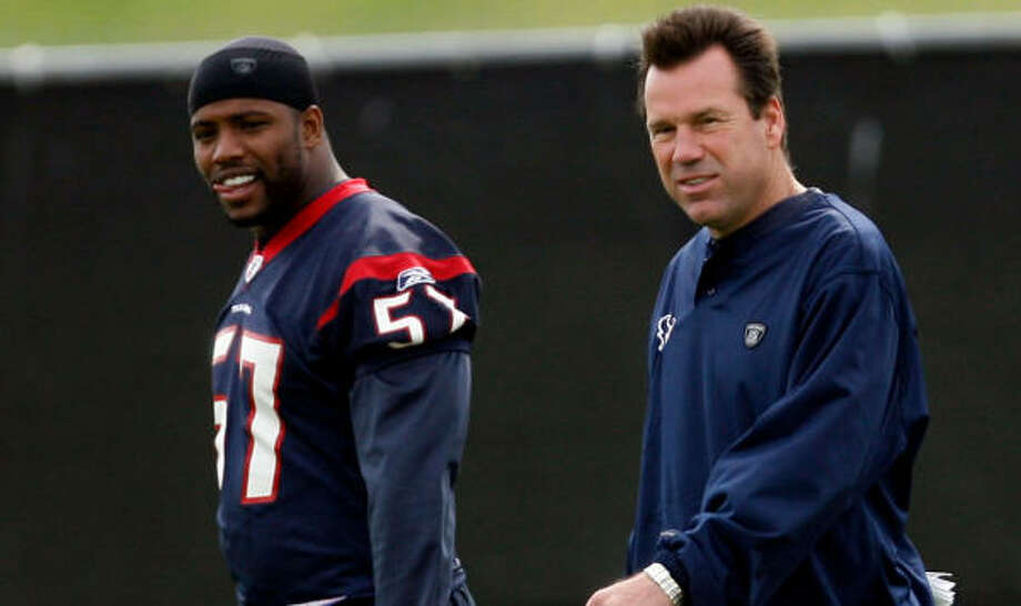 Gary Kubiak and the Texans are hoping their free-agent work pays off, including the signing of Kevin Bentley, left. Photo: Johnny Hanson, Chronicle