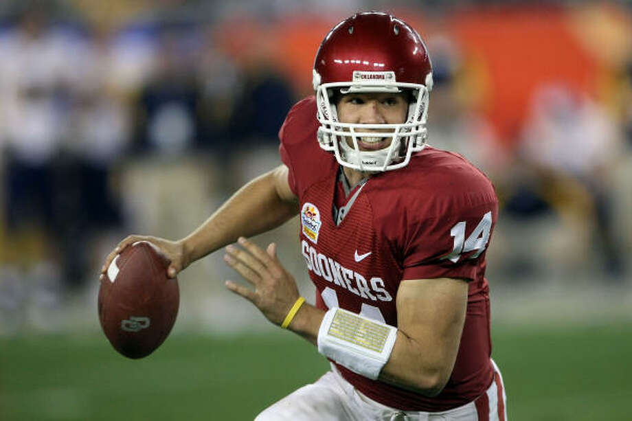 "The Oklahoma Sooners hope that quarterback Sam Bradford can help them win the ""big game"" this season. Photo: Stephen Dunn, Getty Images"