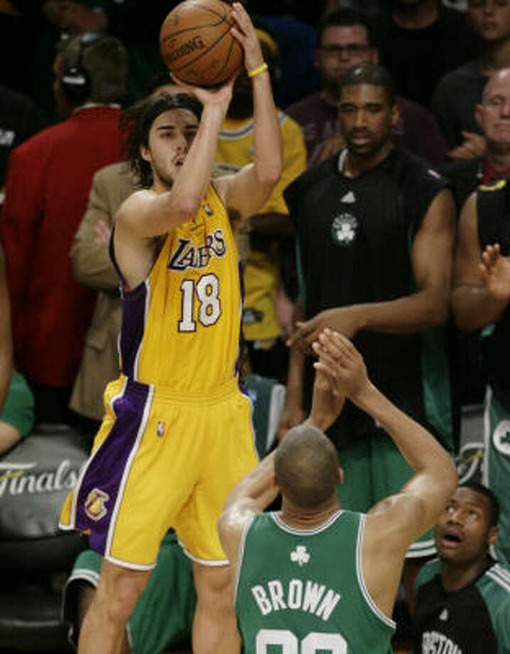 Los Angeles Lakers guard Sasha Vujacic was a key factor in the Lakers' win in Game 3. Photo: Mark Avery, AP