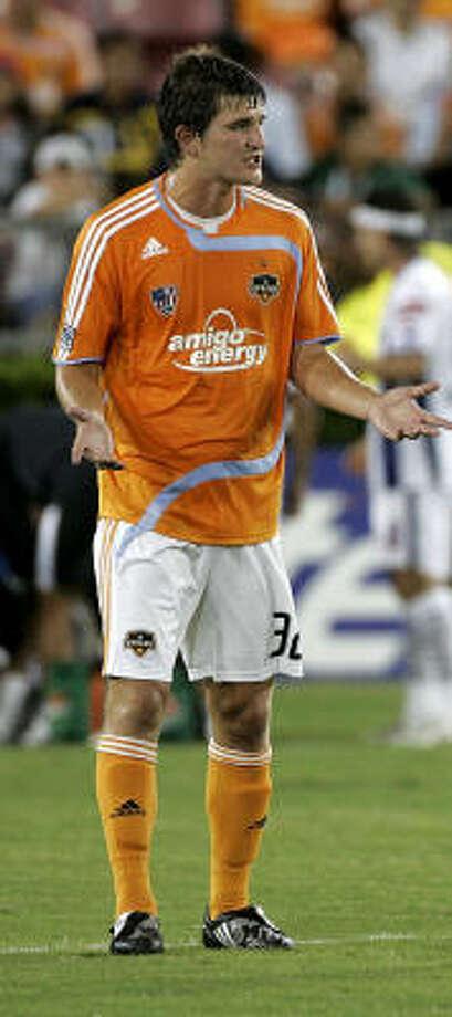 Bobby Boswell faces his old team tonight. Photo: Leonardo Carrizo, Houston Chronicle