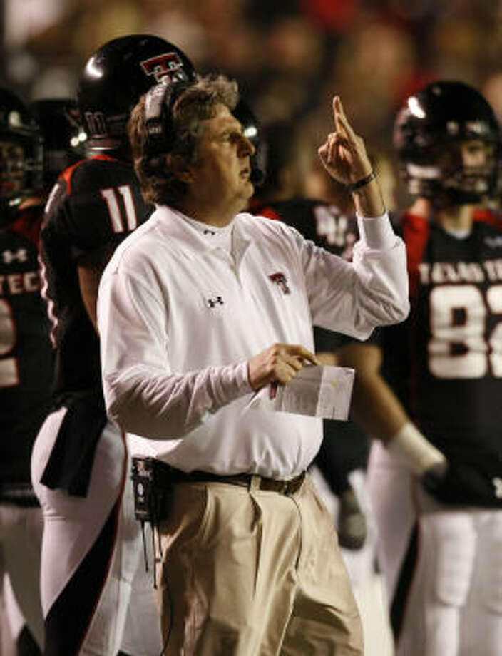 Fresh off being named the Big 12 coach of the year and leading Texas Tech to an 11-1 record, Mike Leach is in high demand. Photo: Nick De La Torre, HOUSTON CHRONICLE