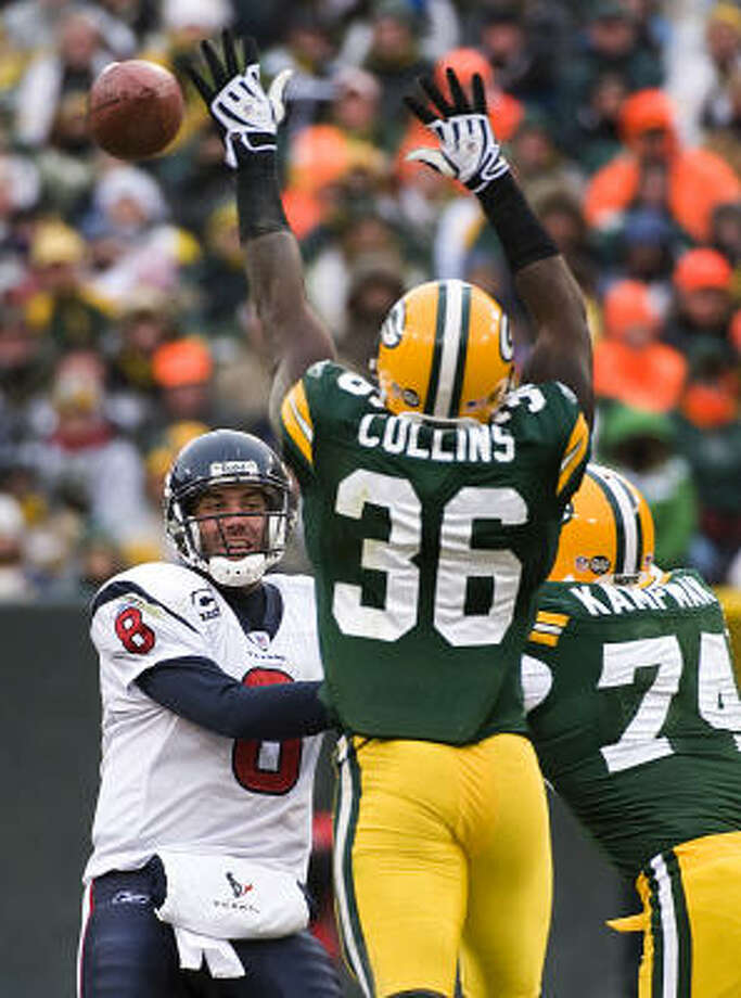 Matt Schaub came back at Lambeau Field on Sunday and sparked the Texans offense to the tune of 549 total yards. Photo: Smiley N. Pool, Houston Chronicle