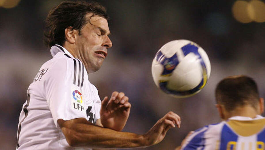Ruud van Nistelrooy soon could be returning to the English Premier League from Real Madrid. Photo: PAULO DUARTE, AP
