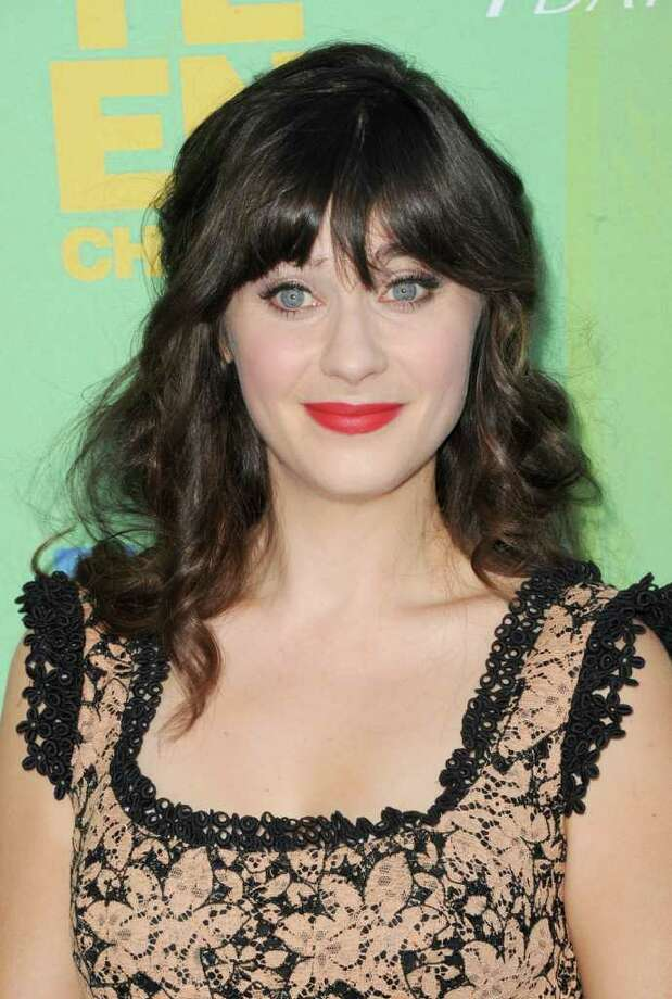 UNIVERSAL CITY, CA - AUGUST 07:  Actress Zooey Deschanel arrives at the 2011 Teen Choice Awards held at the Gibson Amphitheatre on August 7, 2011 in Universal City, California. Photo: Jason Merritt, Getty Images / 2011 Getty Images