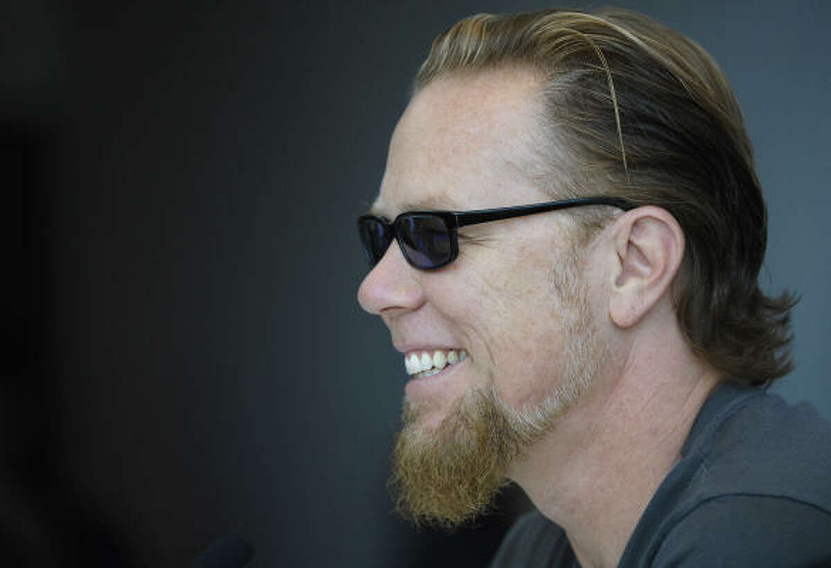 Metallica singer-guitarist James Hetfield says the band is now addicted to a healthy lifestyle.