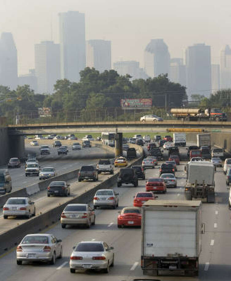 In 2006 and 2007, the average temperature in Houston was slightly above 70 degrees. Photo: Brett Coomer, Houston Chronicle