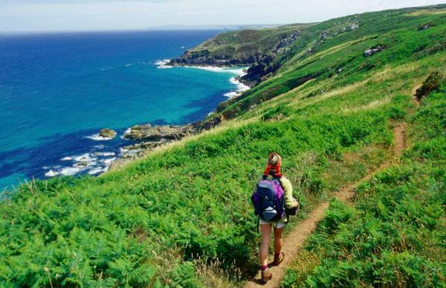 Cornwall's southwest coastal path is a walk of stunning beauty. Photo: Leanne Walker, Lonely Planet
