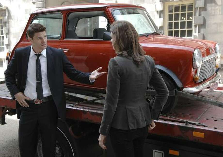 David Boreanaz and Emily Deschanel film a scene in London for the upcoming season of the Fox drama Bones. Photo: JAY MAIDMENT, FOX | ASSOCIATED PRESS