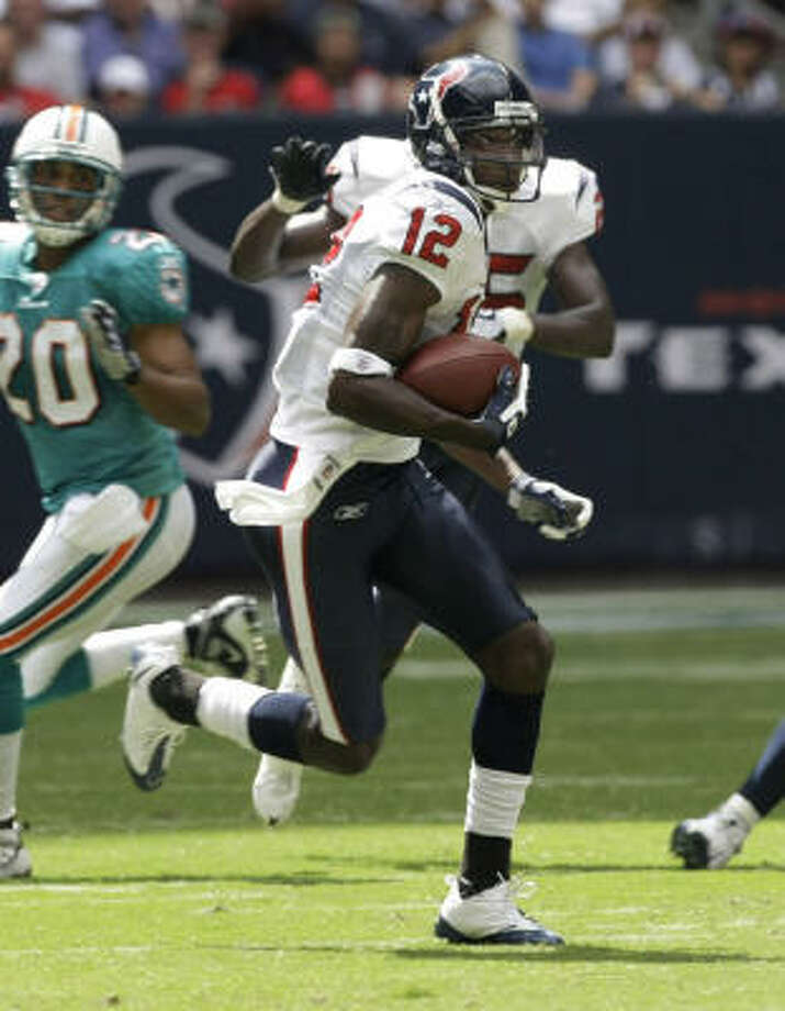 Texans receiver Jacoby Jones won AFC special-teams player of the week after returning a punt for 70 yards and a touchdown against the Miami Dolphins. Photo: Brett Coomer, AP