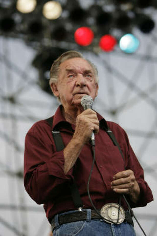 Ray Price performed at Willie Nelson's annual Family Picnic. Photo: Eric Kayne, Houston Chronicle