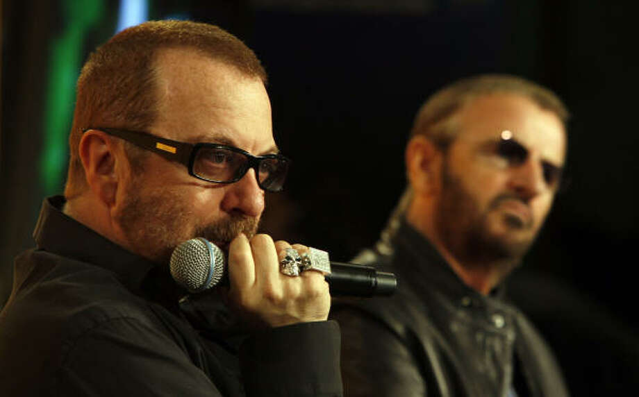 Former member of the Beatles Ringo Starr, right, and fellow musician Dave Stewart of the Eurythmics attend a press conference before the opening event of Liverpool's reign as European Capital of Culture 2008, Liverpool, England on Jan. 11, 2008. Photo: JON SUPER, AP