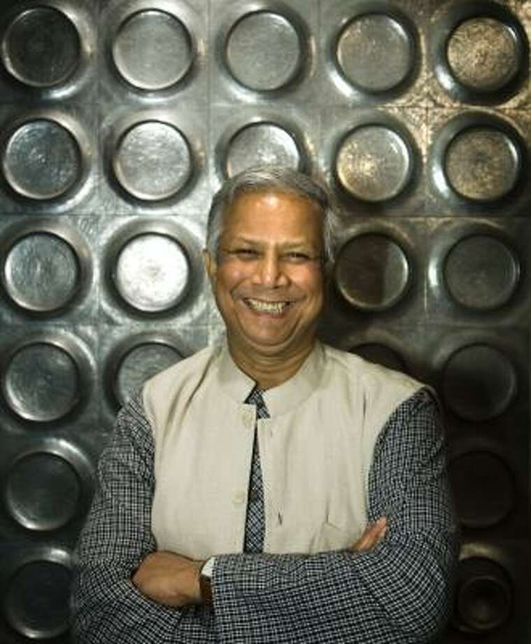 Nobel Peace Prize winner Muhammad Yunus encouraged Houstonians to use business techniques to solve global problems from poverty to pollution. Photo: SMILEY N. POOL PHOTOS, CHRONICLE