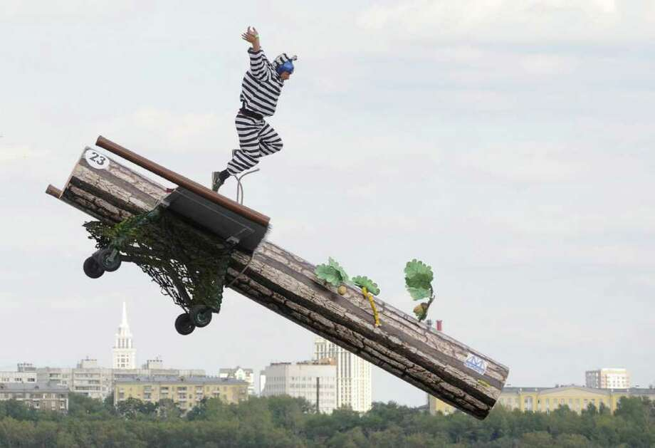 Russian competitors take part at the Red Bull Flugtag event in Moscow on August 7, 2011. Photo: NATALIA KOLESNIKOVA, AFP/Getty Images / 2011 AFP