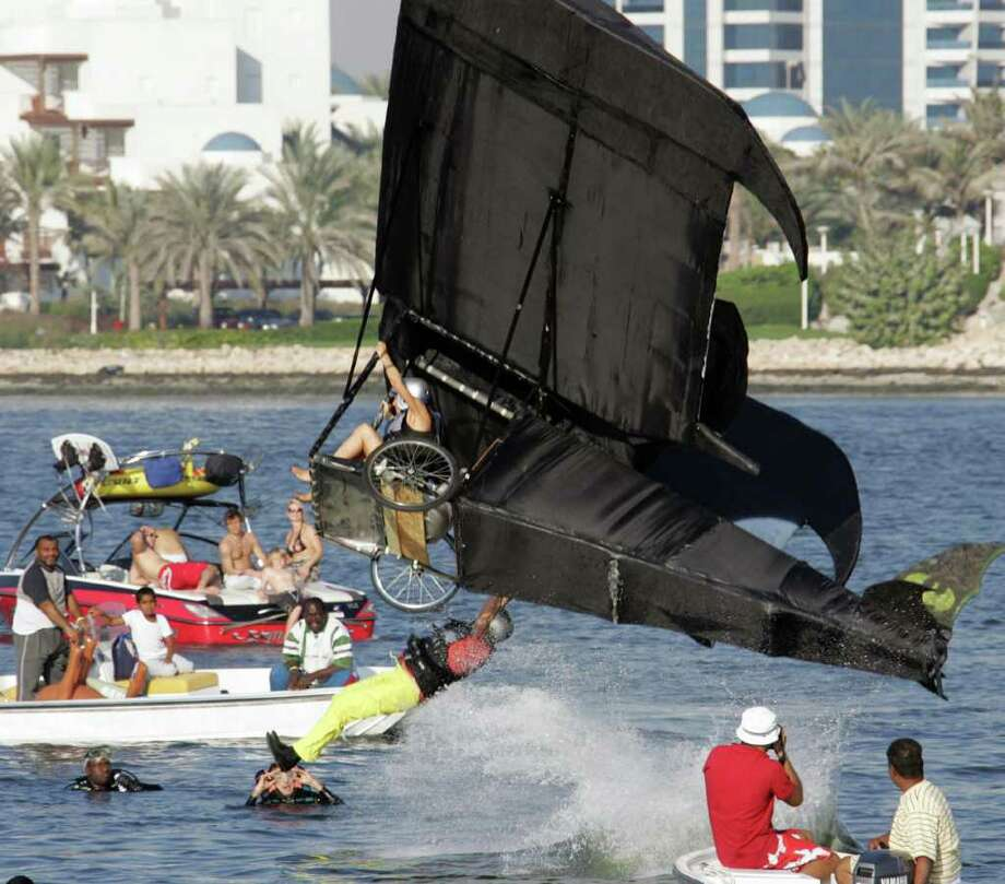 "Team ""Snoopy vs Red Bull"" won first place in Dubai, on November 23, 2007. Photo: KARIM SAHIB, AFP/Getty Images / 2007 AFP"