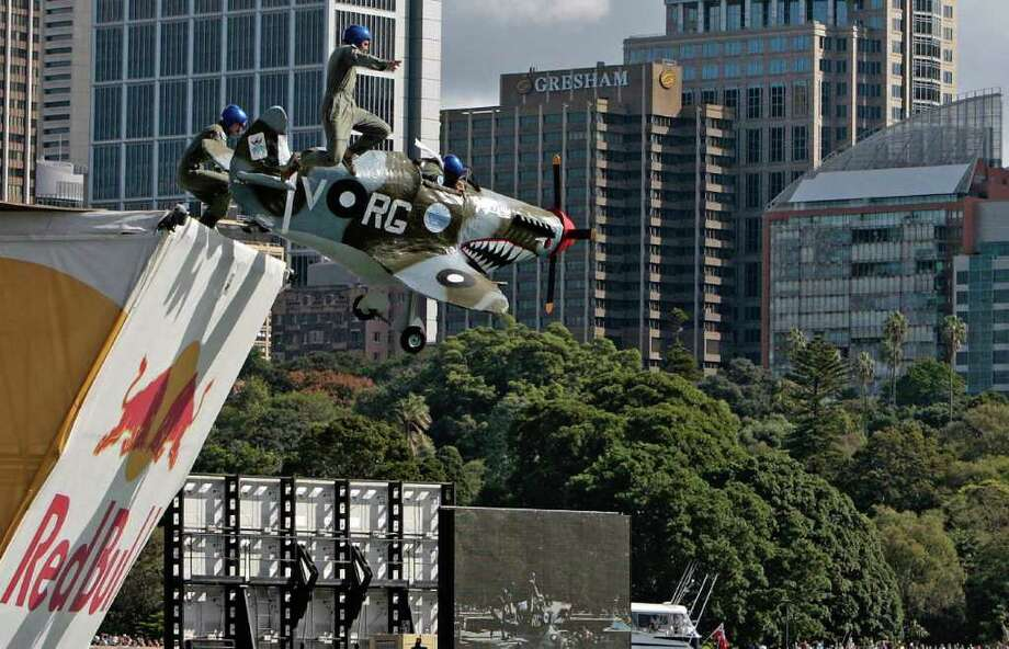 "The flying machine ""Temora Supermarines"" takes off on April 6, 2008 in Sydney. Photo: ANOEK DE GROOT, AFP/Getty Images / 2008 AFP"