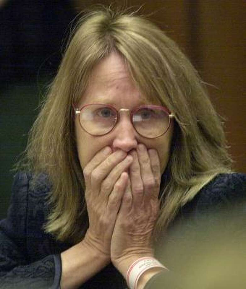 In 2001, Sara Jane Olson pleaded guilty to attempted bombings. Photo: NICK UT, AP FILE