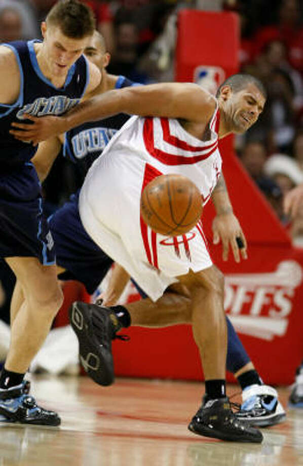 Shane Battier had arthroscopic surgery to remove bone spurs in his left ankle. Photo: Nick De La Torre, Houston Chronicle