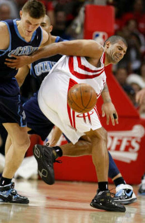 Shane Battier had arthroscopic surgery to remove bone spurs in his left ankle. Photo: Nick De La Torre, Houston Chronicle
