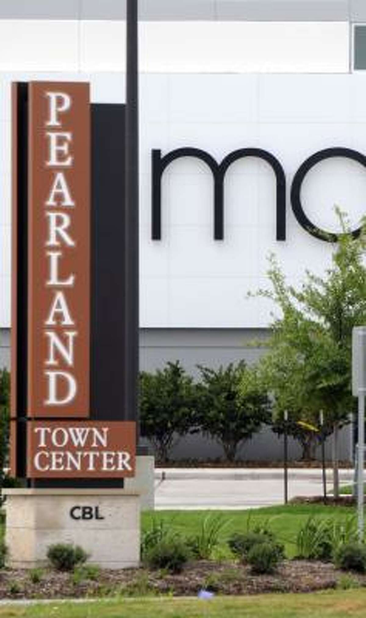 Macy's took advantage of the chance to open a store in the expanding Pearland area.