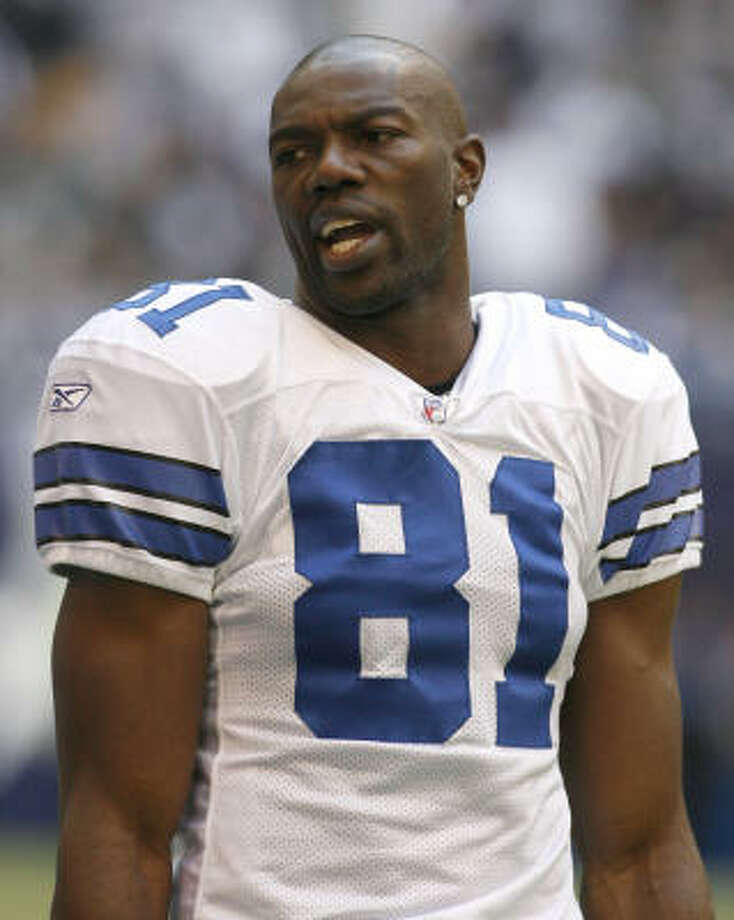 """Dallas Cowboys wide reciever Terrell Owens is not happy about landing in the NFL's """"reasonable cause"""" testing program. Photo: Ben Noey Jr., MCT"""
