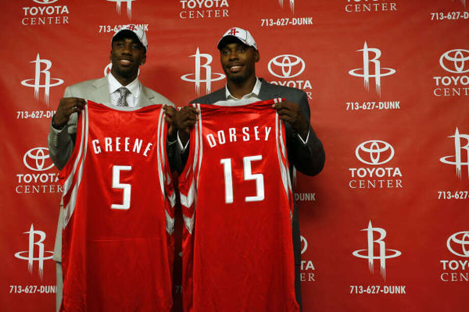 Donte' Greene (left), the Rockets' first-round draft pick, a forward from Syracuse, and Joey Dorsey (right) the Rockets' second-pick from Memphis, were introduced at the Toyota Center on Friday. Photo: Johnny Hanson, Chronicle