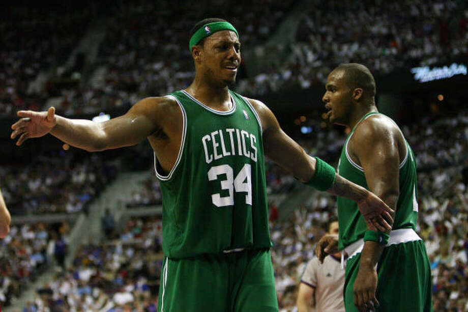 Vote for good basketball on Election Day. Paul Pierce and the Celtics will be in Houston. Photo: Elsa, Getty Images