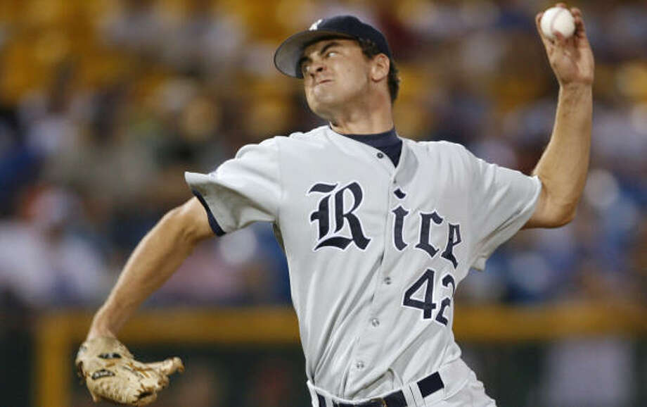 Rice closer Cole St. Clair (shown here during the 2007 College World Series) isn't the only arm in the Owls' bullpen. Photo: Kevin Fujii, Houston Chronicle