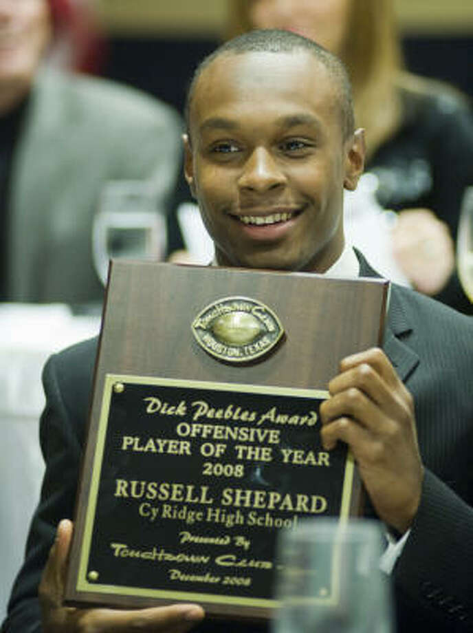 Cypress Ridge quarterback Russell Shepard was named the offensive player of the year on Wednesday night by the Touchdown Club of Houston at their 29th annual High School Awards Dinner. Photo: Steve Ueckert, Chronicle
